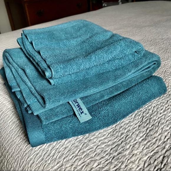 Norwex Bath Mat & Towel Set, Teal - Brand New!